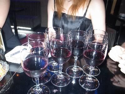 みんなでワインを飲もう
